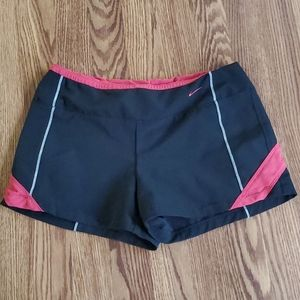 Nike dri fit short small back w red